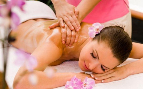 DVOUHODINOVÁ celková relaxační masáž za 540 Kč! 120 minut v ráji, tak se budete cítit během této jedinečné masáže. Pokud potřebujete ulevit napnutým svalům způsobeným díky každodennímu stresu a shonu, jsme tu pro Vás. Jsme profesionální masérské studio, pomůžeme Vám! Přijďte nás vyzkoušet! Těšíme se na Vás v Masážním studiu Lucida v Ústí nad Labem nebo v Salonu Nela v Děčíně.