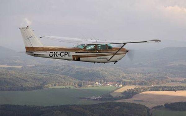Vyzkoušej si pilotování letadla s čtyřmístnou Cessnou!