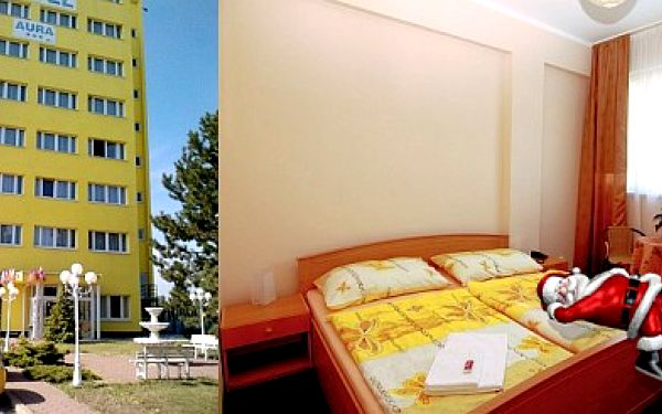 AURA *** pro dva na 2 noci + kryokomora Jen 1299 Kč za předvánoční ubytování v hotelu Aura *** pro dvě osoby na dvě noci se snídaní + 2 x vstup do kryokomory. Kupony lze sčítat ! Sleva 70 %