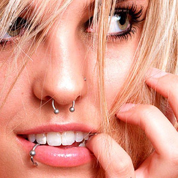 Pouhých 199 Kč za zhotovení piercingu v hodnotě 400 Kč. Navíc jedinečná možnost využít slevu na intimní piercing zakoupením 2 kuponů - sleva 60%. To vše ve středu Ostravy, ve studiu Tattoo Mammoo na ulici 28. října.