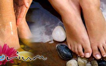 Dopřejte si mokrou pedikůru s klasikým ošetřením a lakováním. Použití vanilkového peelingu, levandulového a kokosového oleje! K tomu diagnostika na plosce nohy!