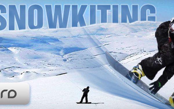 JEDNODENNÍ KURZ SNOWKITINGU s drtivou 76% slevou jen za 600 Kč!! Naučte se základy nového adrenalinového sportu za nejnižší možnou cenu!! Ušetřete s portálem Berslevu.cz skvělých 1 900 Kč!!