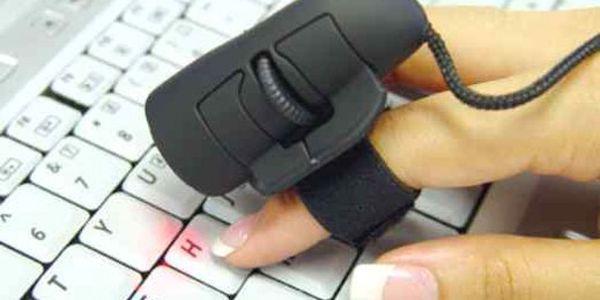 Absolutní novinka! Optická myš na prst! Od teď už nemusíte přehmatávat z klávesnice na myš - vše zvládnete najednou.