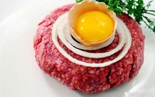 89 Kč místo 210 Kč - Masožrouti do pozoru! Máme pro vás 200 g tatarského bifteku z pravé svíčkové a libovolné množství topinek, se slevou 58 %
