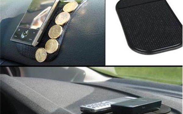 NANOPODLOŽKA 1+1 ZDARMA ... OS - Nanopodložka do auta je top novinkou letošního roku. Pořiďte si jí i Vy. V akci jedna nanopodložka za 55,- Kč a k tomu navíc získáváte druhou ZDARMA. Nanopodložka na sobě výborně udrží drobné předměty i při otřesech za jízdy. Díky nanopodložce Vám nespadnou brýle nebo mobil zpalubní desky. Nanopodložka přináší větší pohodlí při cestování.