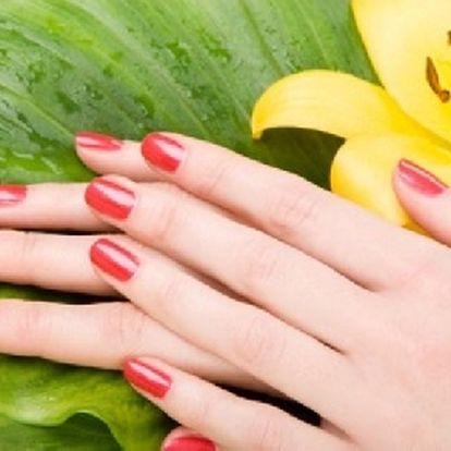 Až 3 týdny krásné a upravené nehty pomocí revoluční novinky GEL-LAK + ZDARMA parafínový zábal na ruce !