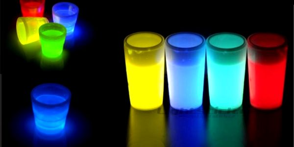 Bomba dárek!! Sleva 60% na originální svítící štamprlata! Úžasný doplněk na každé párty! Buďte IN a rozsviťte se!