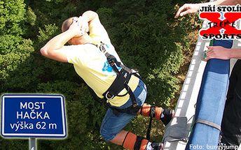 900 Kč za Bungee jumping z 62 metrů vysokého mostu. V rámci této nabídky si můžete bungee užít i v měsíci Květnu. Zažijte skvělý adrenalinový zážitek!