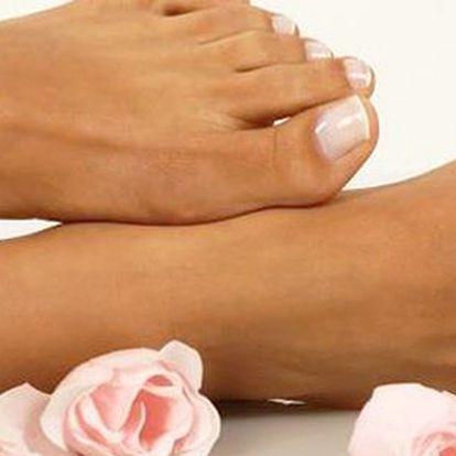 139 Kč za pedikúru, masáž nohou a čokoládový parafínový zábal na ruce. Nohy i ruce jako v bavlnce. Sleva 57 %.