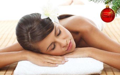 Luxusní 60 minutová medová detoxikační masáž s medovým peelingem a zábalem včetně jemné masáže hlavy.