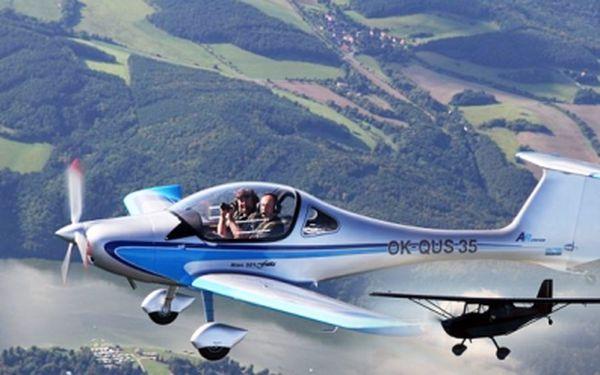 Zážitek je NEJLEPŠÍ DÁREK! Nezapomenutelný let některým z nových letounů kdy můžete SAMI PILOTOVAT! Pouze 950 Kč za 30 minut letu s možností vlastní pilotáže!