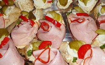 S fajn slevou 50 % Vám vytvoříme chutné pohoštění pro Vaši oslavu, vánoční stůl či silvestrovskou párty. Senzační chlebíčky z čerstvých surovin za pouhých 8 Kč nebo obložené mísy za 290 Kč! Rozvoz po Olomouci zdarma!