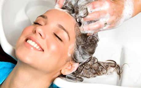 Mytí, masáž pokožky hlavy, regenerace, foukání a styling vlasů se slevou 54% za úžasných 119 Kč! Ušetřete s námi 141 Kč a nechte si své vlasy profesionálně upravit ve Studiu-V na Jižních Svazích.