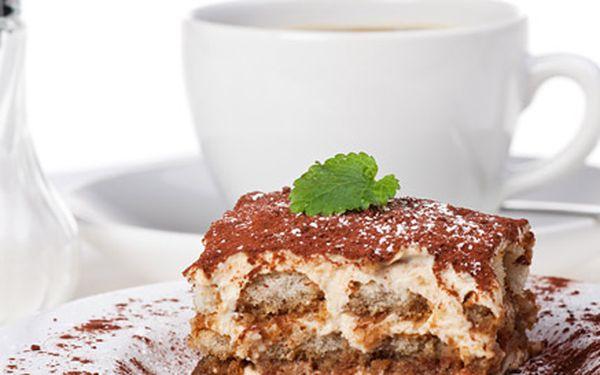 59 Kč za DVOJE palačinky, tiramisu či bio zákusky + DVĚ kávy s mlékem. Sladká chvilka s báječným domácím dezertem se slevou 54 %.