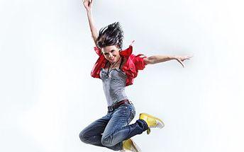 Skákejte s radostí na trampolíně! Tváří se nevinně, ale tuků Vás zbaví účinně. 45% sleva na 2 vstupy na Jumping, skupinové cvičení na trampolínách s instruktory za doprovodu hudby.