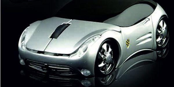 DESIGN za neuvěřitelnou cenu!!! Stříbrná optická USB myš ve tvaru luxusního auta! Tento hit nyní se slevou 58%!