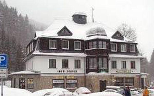 Týdenní pobyt v centru Pece pod Sněžkou s polopenzí - Hotel Máj *** - to je naše aktuální zimní nabídka!!! 7 nocí s polopenzí za speciální cenu 4180 Kč za osobu!!!