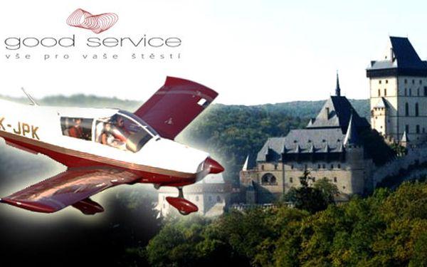 Nabízíme krásný vyhlídkový let nad Karštejnem, nádherný okruh nad hradem Karštejn a lome Mexico, Ameriko. Voucher je pro 1 osobu s délkou letu 15minut!!