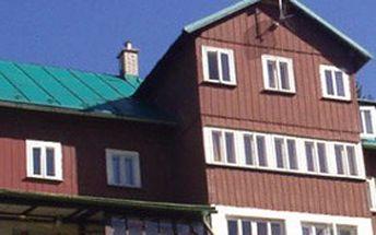5denní pobyt Ski & wellness s polopenzí pro 1 osobu v horské chatě Orlík v Peci pod Sněžkou