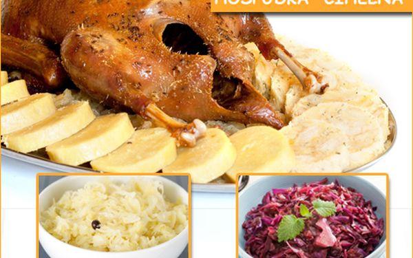 Večeře pro čtyři: Pečená kachna se zelím a dvěma druhy knedlíků za 259 korun!