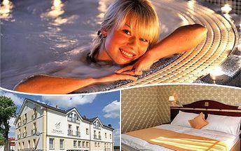 """Udělejte radost sobě nebo svým blízkým a přijeďte prožít """"Zimní romantiku"""" do wellness Hotelu TOMMY****. 50% sleva na pobyt v hotelu na 2 noci se snídaní, romantickou večeří o čtyřech chodech, 2x vstupem do bazénu a vířivé vany."""