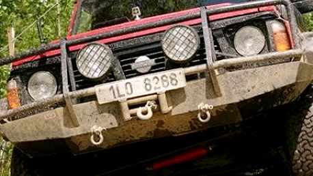 Adrenalinová jízda v sedadle jeepu či off-roadu. Vyzkoušejte jízdu na polygonu. 44% sleva na hodinovou jízdu off-roadem Nissan Patrol GR nebo Jeepem Grand Cherokee jako řidič či spolujezdec. V ceně je pronájem trati, instruktor i palivo.
