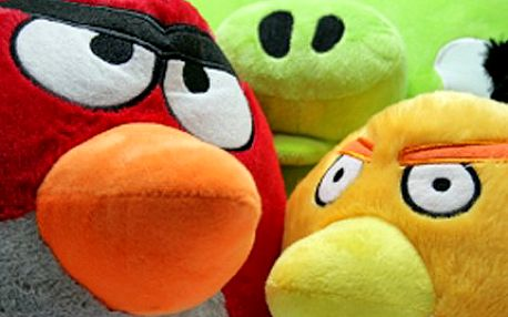 Angry Bird je víc než hračka, pořiďte si naštvaného plyšového ptáčka! 52% sleva na plyšového ptáčka Angry Bird, výběr z pěti různých barev. Plyšák potěší malé i velké hráče.