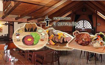 Tříchodové Silvestrovské odpolední nebo podvečerní menu ve stylové restauraci! Polévka, dezert, přípitek a výběr z: tataráku, kolena, panenky!