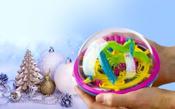 Hlavolam roku 2011! Skvělá 3D inteligentní koule obsahující propracované bludiště se 100 překážkami nyní za senzačních 299 Kč! Zaměstnejte své mozkové buňky a prověřte svoji zručnost a prostorové myšlení. Sleva 50%!