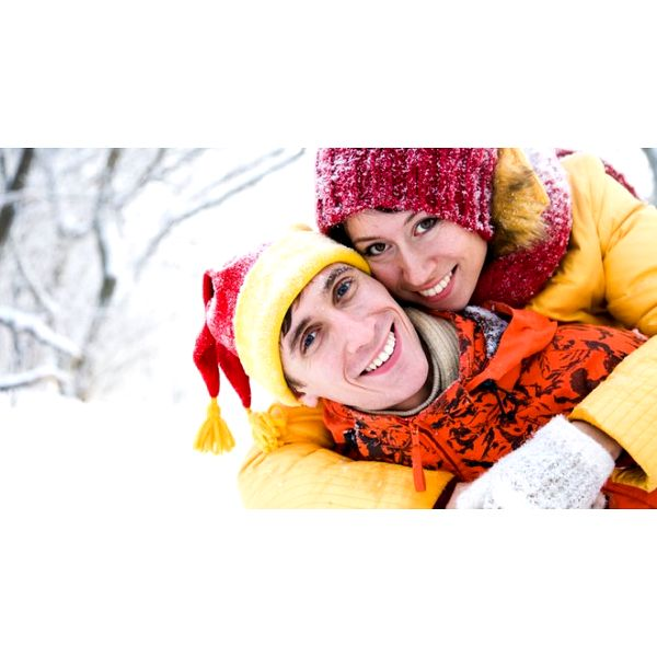 Za pouhých 175 Kč získejte elegantní zimní SET PLETENÝCH RUKAVIC a ČEPICE pro všechny slečny, dámy a dívky! Vybírejte z několika barevných variant!