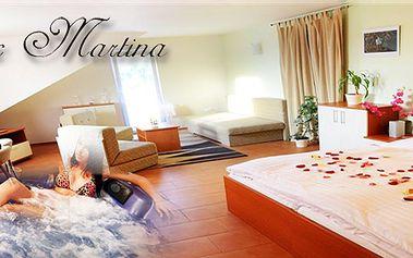 Romantický pobyt pro dva na dvě noci v krásném apartmánu s unikátní květinovou výzdobou, polopenzí, vířivkou a saunou v soukromí! Pouze 20 kupónů k dispozici!