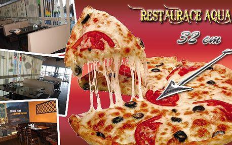2 X GRANDE PIZZA O PRŮMĚRU 32 CM ZA ÚŽASNOU CENU 129 KČ! Po záplavě cukroví vám právě tato perla italské kuchyně přijde víc než vhod! NA VÝBĚR JE Z 15-TI DRUHŮ PIZZY! Tak neváhejte a skočte si na 2 pizzy do restaurace Aqua Eden!
