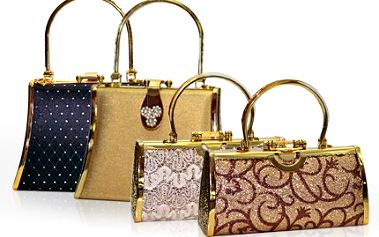Kupte si na Vánoce luxusní módní kabelku. Pánové, potěšte Vaši manželku. 40% sleva na luxusní kabelky v Euro Gold Centre, jež se nachází na nejprestižnější ulici v Praze.