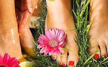 369 Kč za kompletní pedikúru - masáž + peeling + lakování! Skvělý dárek pro ženy!! Každá totiž touží být dokonale upravená!