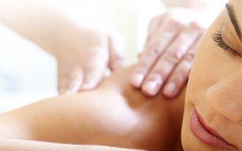 S masážemi bude rok 2012 ve znamení odpočinku. Najděte si na ně chvilinku. 50% sleva na permanentku na všechny masáže pro celý rok 2012 do studia Stevie Bertoni. Vyberete si mezi masáží medovou, tibetskou a jinými.