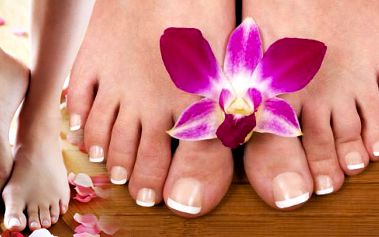 299 Kč za modeláž gelových nehtů na nohách! Dokonale upravené nehty na nohou působí elegantně a čistě! Darujte ženám krásu po které touží!