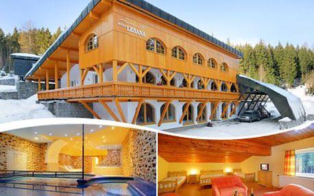 Přijeďte na Vánoce za wellness do Špindlerova Mlýna! Ve dvou bude lyžování prima. 50% sleva na pobyt pro DVA dle termínu a varianty, kterou si sami zvolíte. Čeká Vás večeře formou švédských stolů a wellness bez omezení.