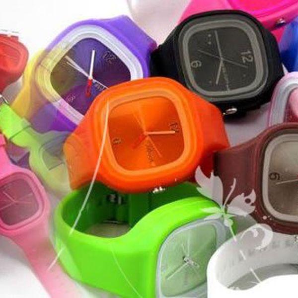 Buďte originální - měňte si hodinky podle oblečení. Využijte akci na hodinky Jelly Watch. Samozřejmě jsou vyrobeny z kvalitního a na dotek příjemného silikonu. S tím rozdílem, že tyhle jsou analogové a vypadají na ruce fakt moc dobře!