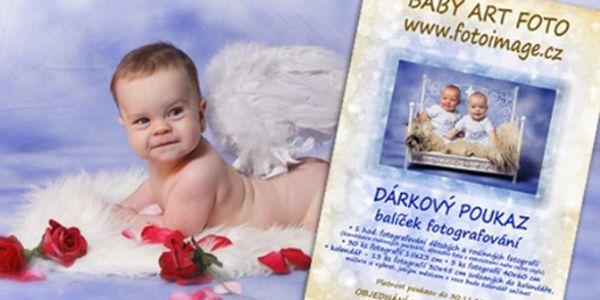 Darujte speciální vánoční dárkový poukaz dětské a rodinné ateliérové fotografie pro rok 2012 se slevou 50%! Stylové a hravé fotografie od profesionální fotografky. Poukaz na fotopapíře ve speciální obálce. Poukaz je na 30 fotografií, velký 13 stránkový kalendář a 3 velké fotografie na zeď – ideální vánoční dárek!