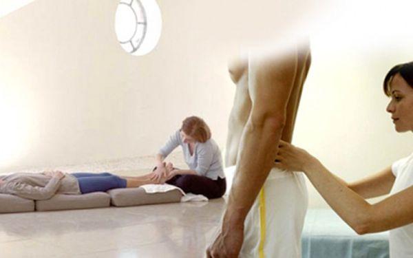 Obdarujte Vaše nohy a záda královskou relaxací, darujte jim 60ti minutovou masáž! Uvolnění nohou, kříže, lopatek, šíje a plosek nohou za fantastickou cenu 249 Kč!