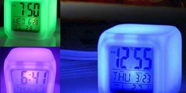 Budík, který svítí a mění barvy jen za 129 Kč!! Krása! Mění barvy tak, jak chcete, ukáže Vám datum, čas i teplotu!!