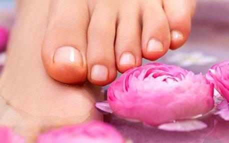 139 Kč za klasickou pedikúru s lakováním a relaxační masáží chodidel! Dopřejte si kompletní péči o Vaše nohy se slevou 60%!