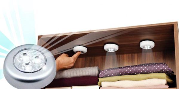 Svítící LED světla do skříní, auta, zkrátka všude tam, kde chcete posvítit a nemůžete nebo nechcete tahat kabel. Tato praktická světla máme pro Vás nyní jen za 229 Kč za 3 kusy!