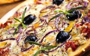 Zavítejte do italské pizzerie! Čekají Vás DVĚ pizzy z naší kuchyně. 50% sleva na 2 pizzy v Pizzerii Ponte. Vyberte si z těchto pizz: Prosciutto, Farcita, Pancetta e Cipolla, Tonno e Cipolla a Peperoni e Olive.