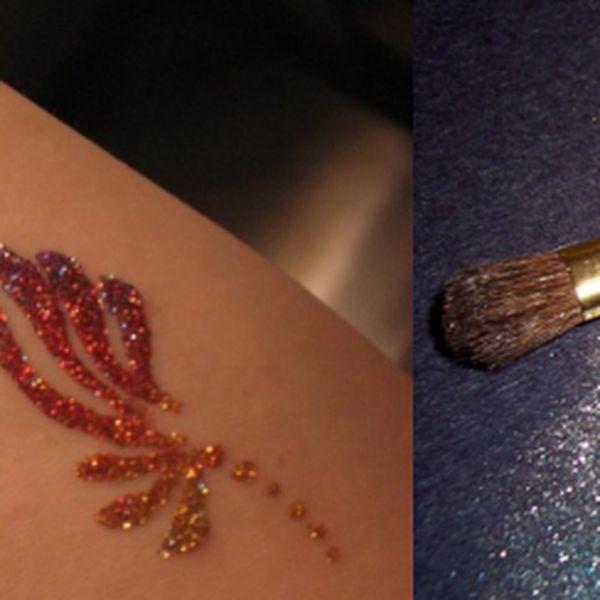 Zkrášlete své tělo a buďte neodolatelní! Nechte si na tělo vytetovatornament barevnými třpytkami a vyražte okouzlující do víru plesové sezony!