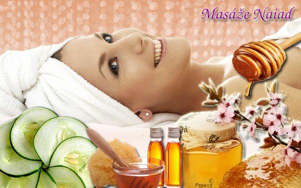 Účinná detoxikace organismu může být i příjemná! Vyzkoušejte perlu mezi detoxikačními procedurami – medovou masáž se zklidňujícím okurkovým zábalem!!! Prožijete úžasných 50 minut na které nezapomenete ani vy, ani vaše tělo!