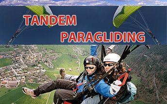 Paraglidingový let s 40% slevou! 10 až 15 minut letu nad krásnou krajinou