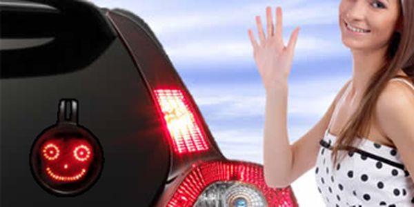 Pouhých 399 Kč za elektronické smajlíky do auta v hodnotě 1290 Kč! Oživte své auto emocemi a blikněte na řidiče či kolemjdoucí jednoho z 5ti super smajlíků! Skvělý dárek pro muže nyní se slevou 69 %!