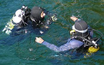 Trošku adrenalinu! Podívejte se pod hladinu jezera Lhota za pouhých 790Kč. Dobrodružství, akce a neopakovatelný zážitek s 54% HyperSlevou.