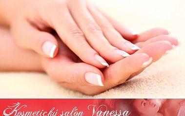 Lakování nehtů a masáž jen za 119 Kč! 60minutové ošetření a výběr z 5 masážních olejů
